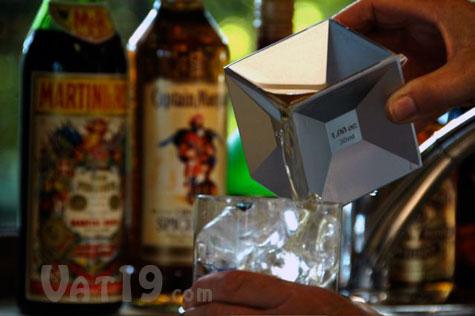 Aluminum Cube Jigger holds six common measurements
