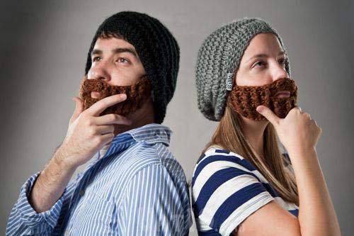Дизайнер придумал шапку с вязаной бородой.  Tigrenka2000