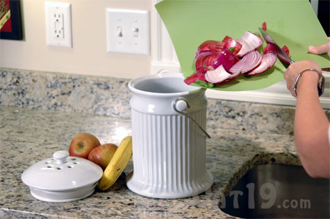 Show us your kitchen compost container Compost-pail-filling-up