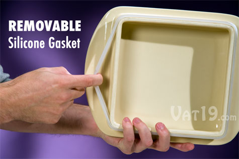 The Stay-Put Lid features a removable silicone gasket.