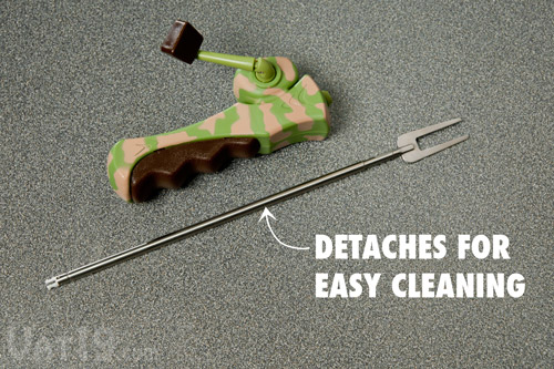 The stainless steel skewer detaches for easy cleaning.