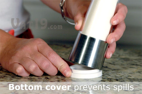 Mess-free sugar dispenser prevents tabletop spills